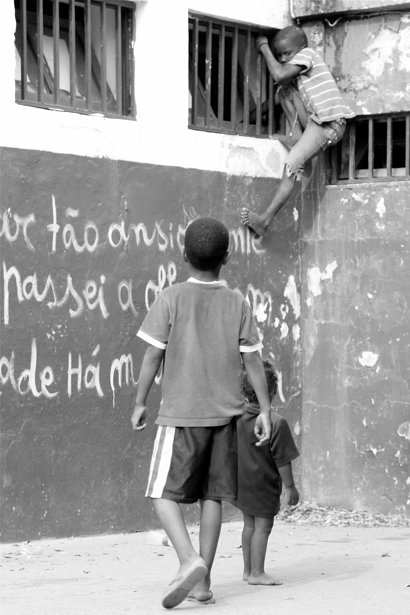 ... AMIZADE / (FELIC)IDADE #15 by H. Paz Monteiro