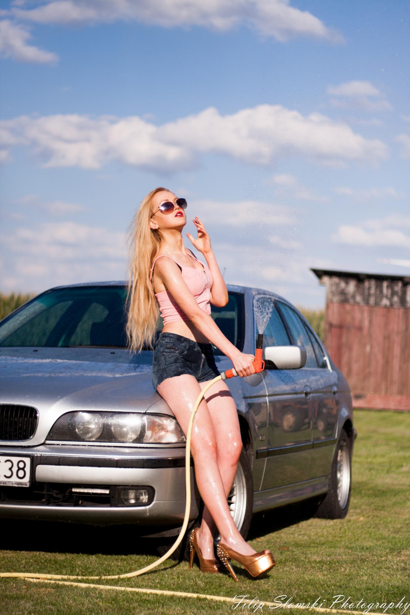 BMW Girl by fslomski