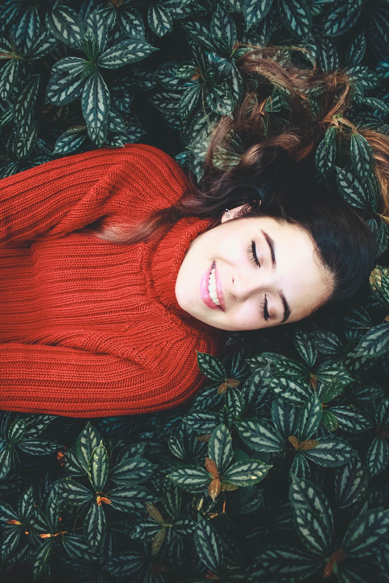 Feche os olhos e sinta by Ally Araújo
