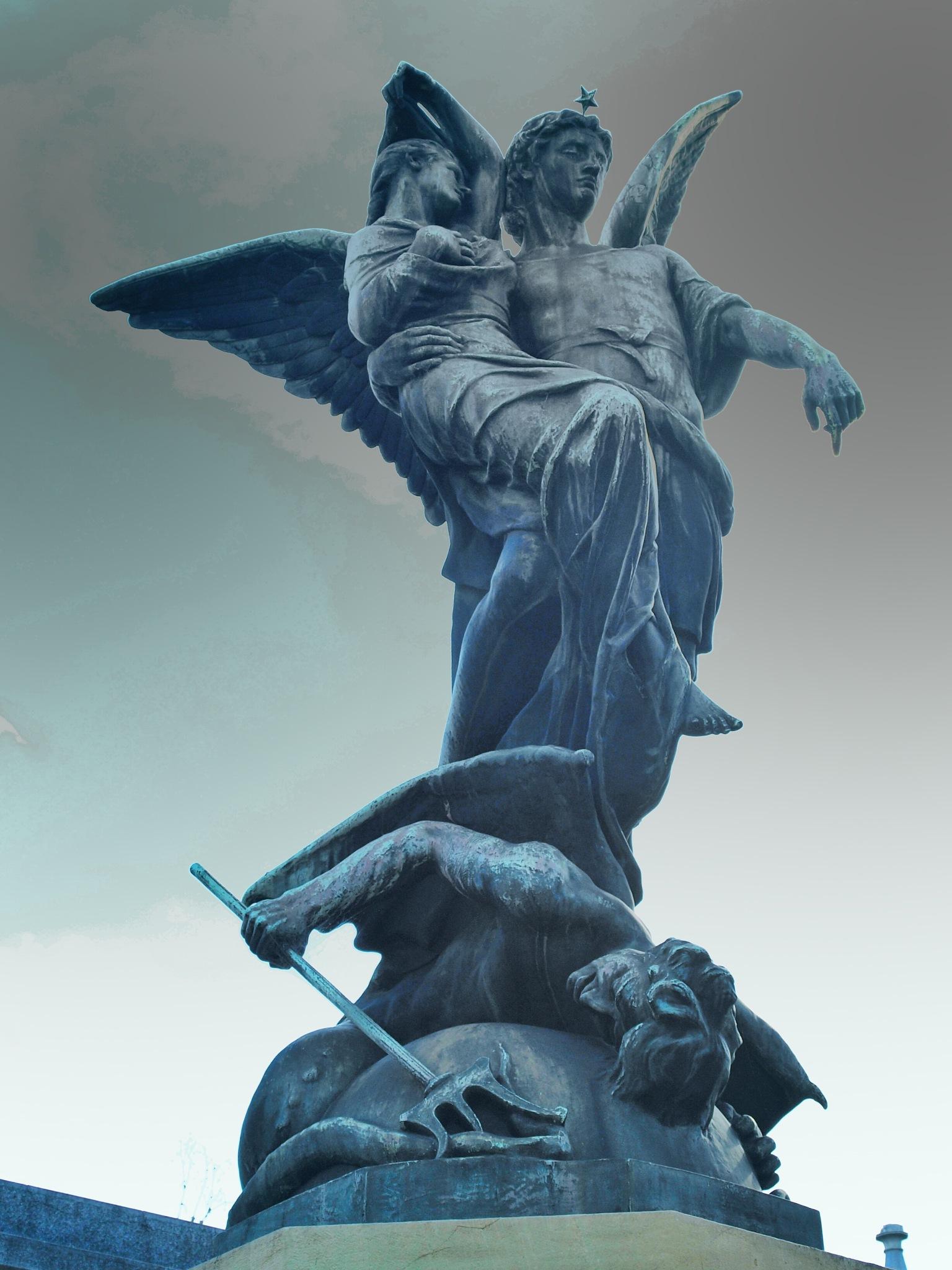 Cementerio de la Recoleta by Nessito