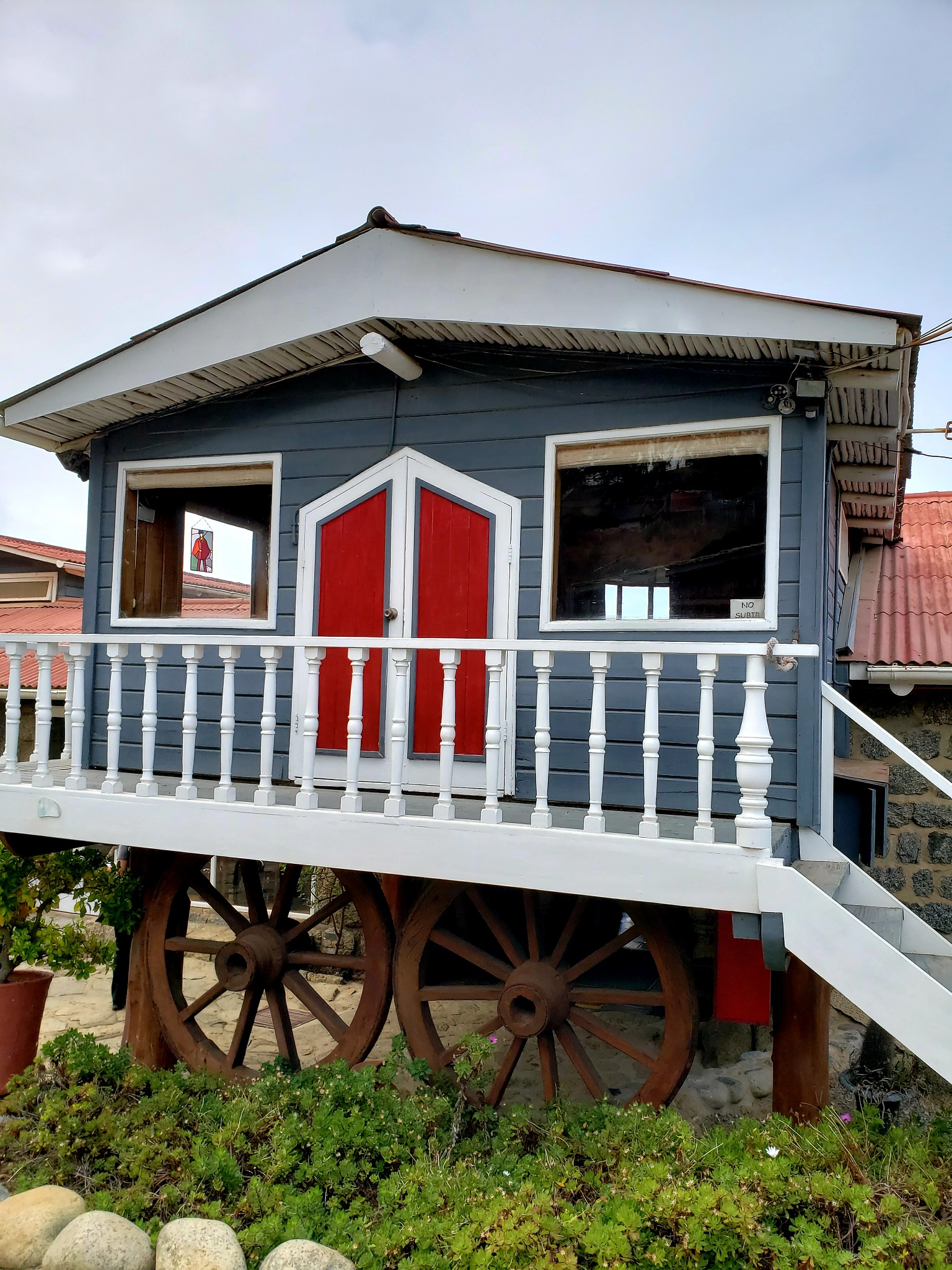 Casa de Neruda em Isla Negra  by Ana Lúcia