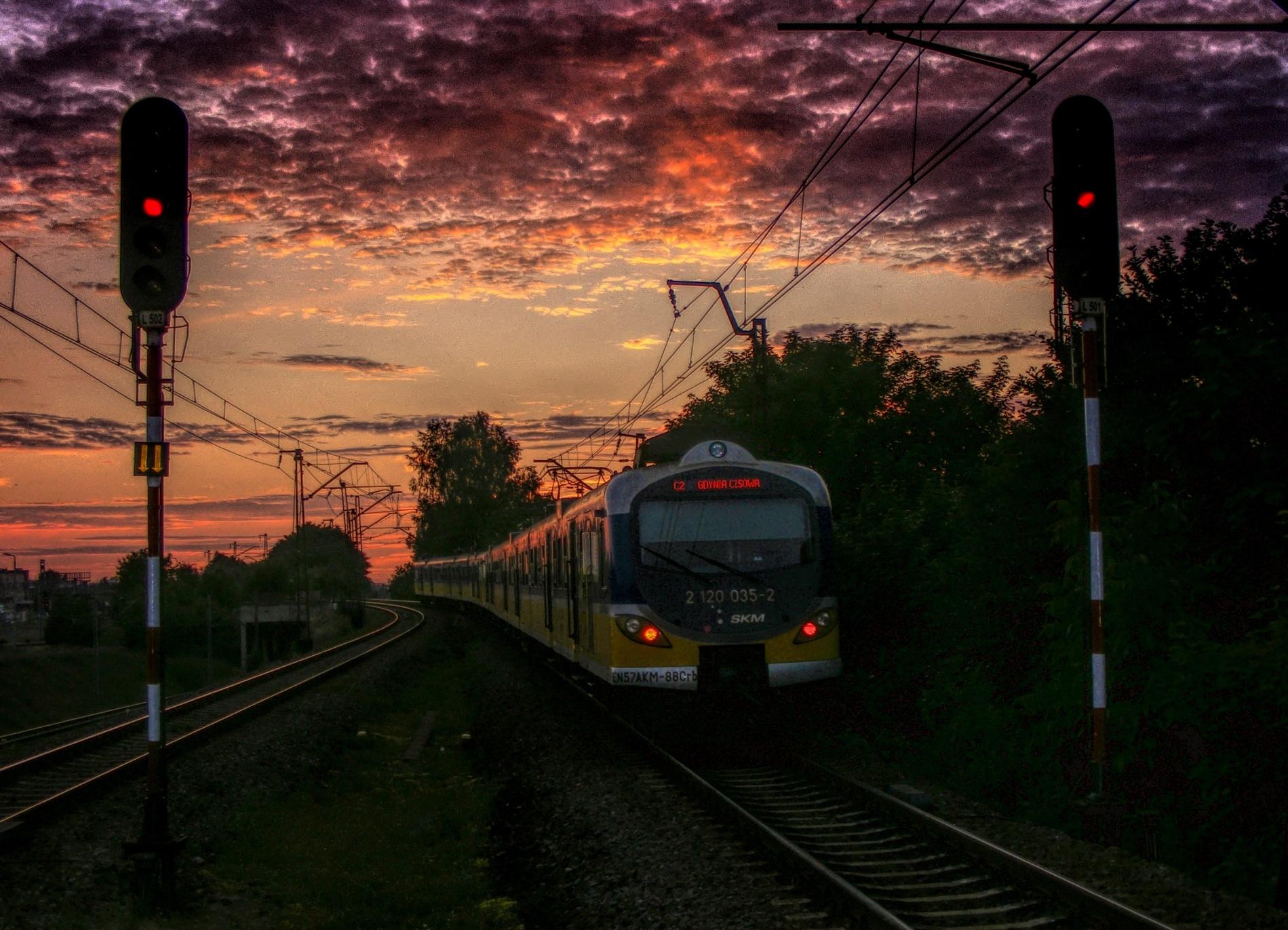 Railway Sunset by Grzegorz Skwarliński