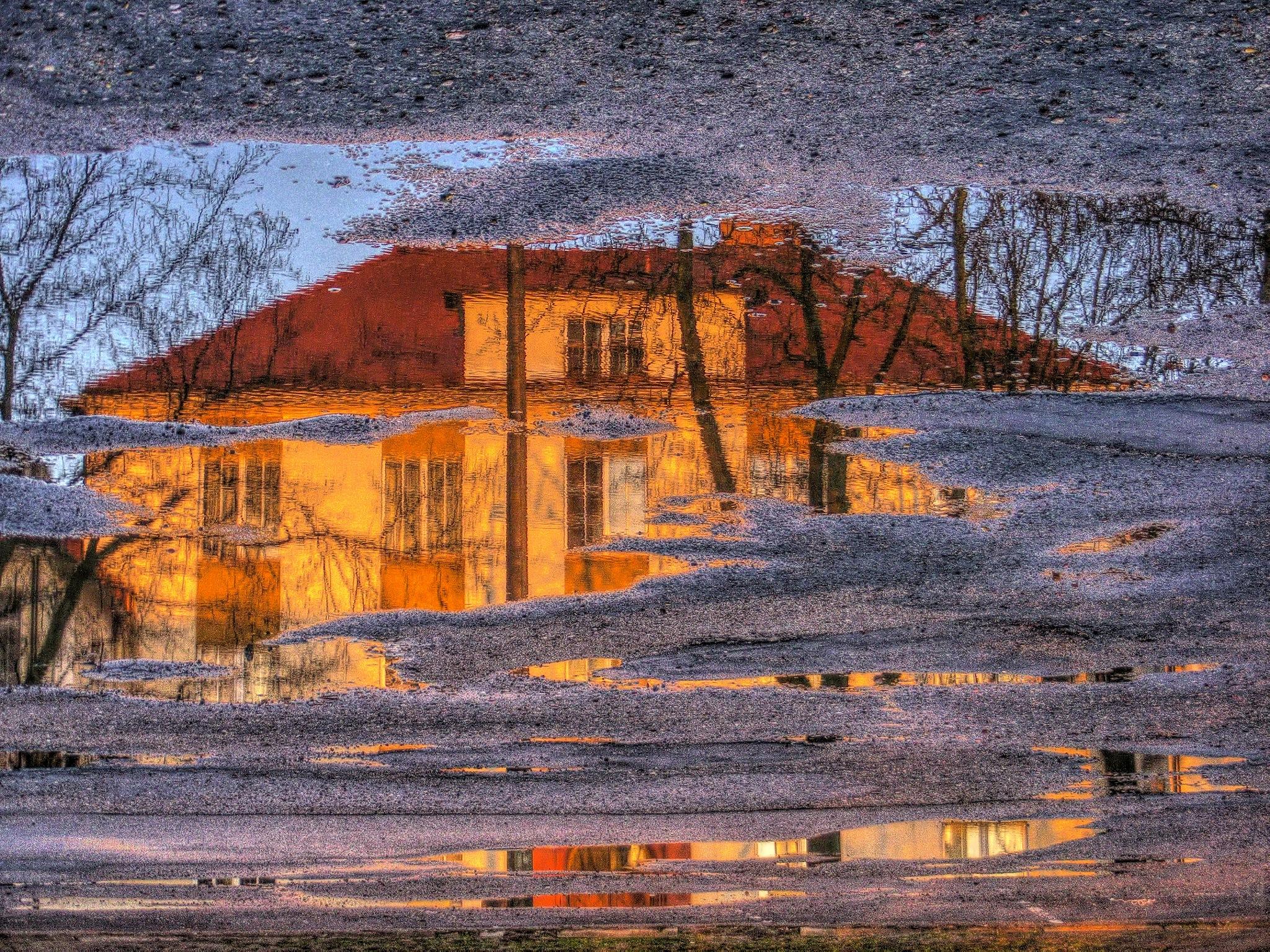 City reflection #2 by Grzegorz Skwarliński