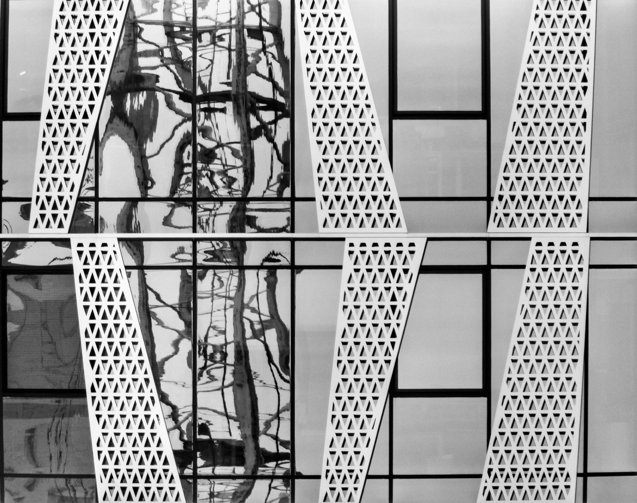 mirror by Grzegorz Skwarliński