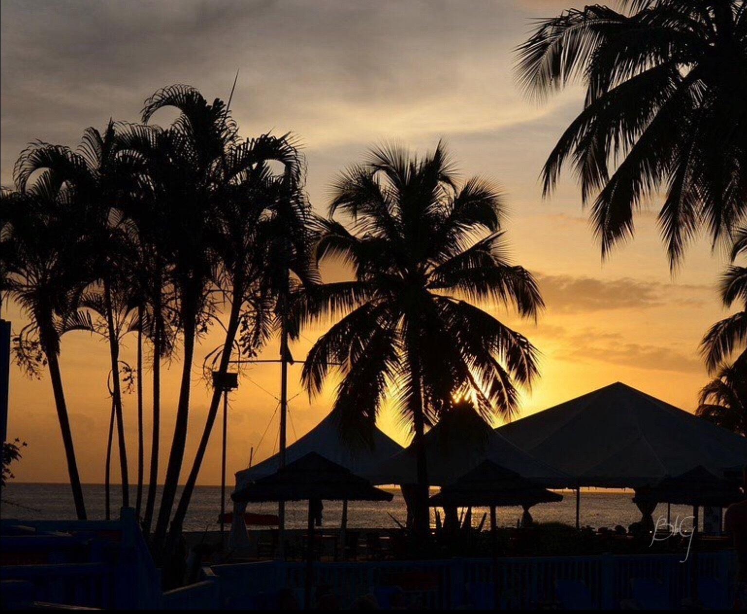 Sunset beach by BOULIN Manuel