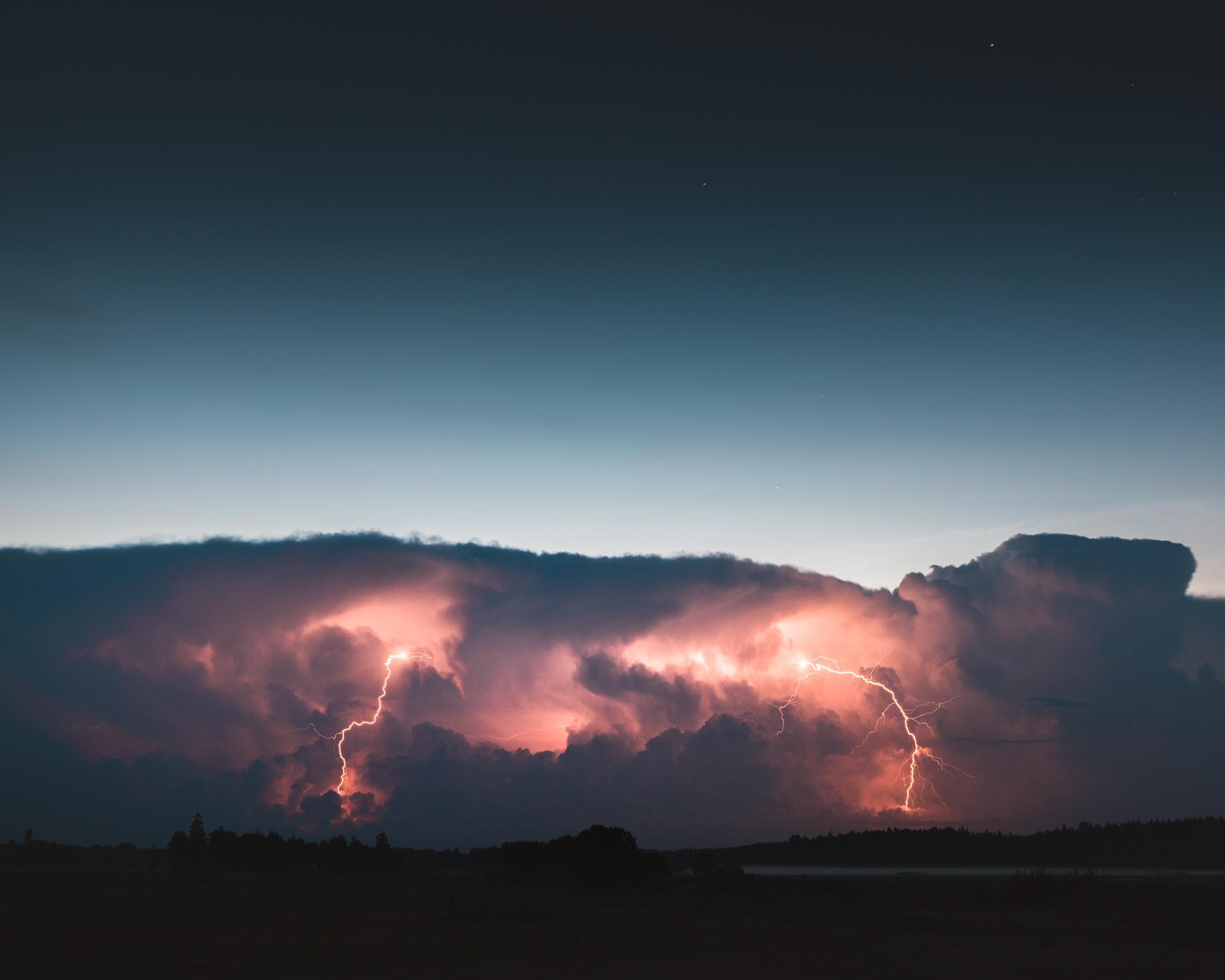 Lightning by Nicholas Aspholm