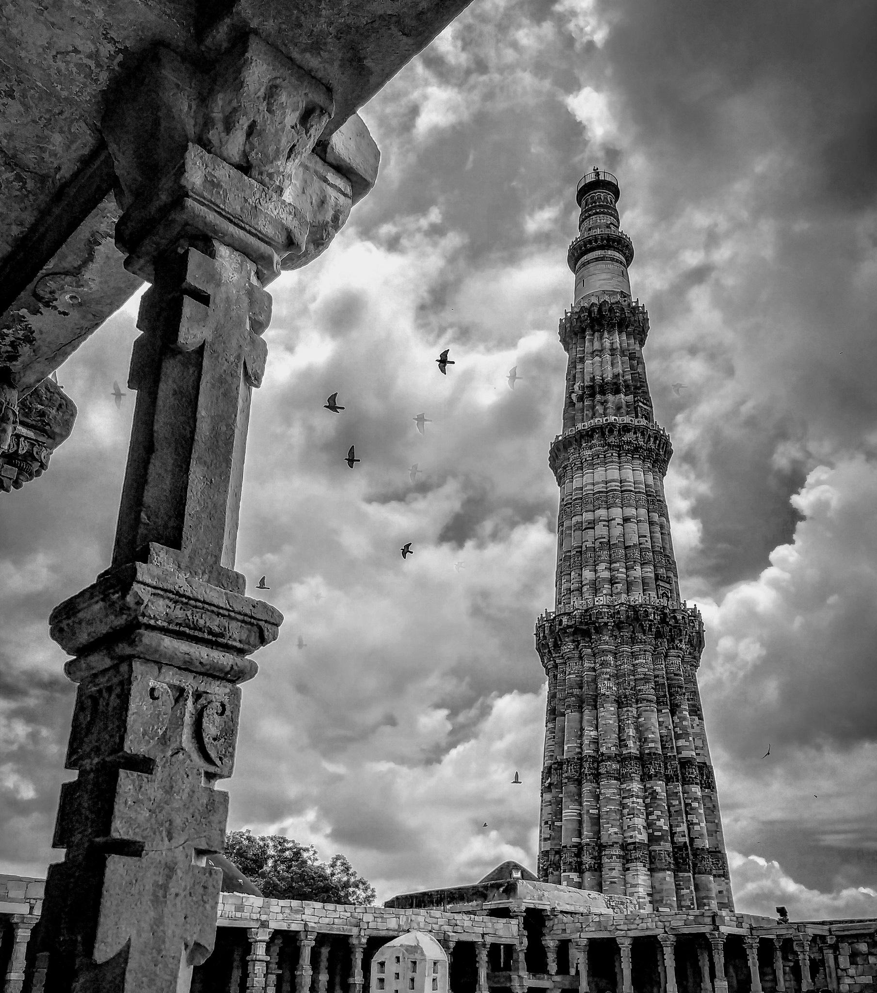 The Qutu Minar .  by Janmejoy Mallick