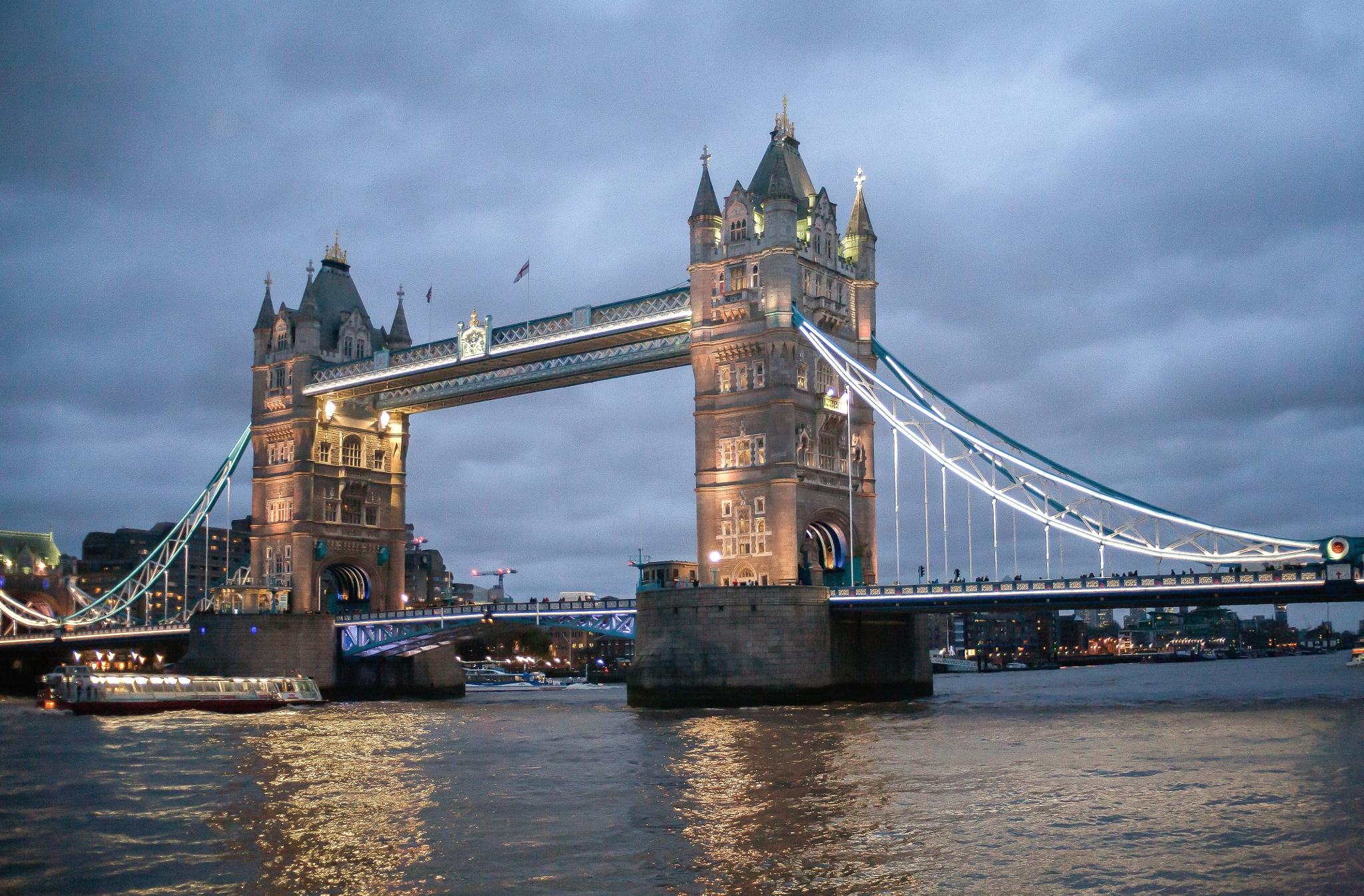 Tower Bridge by Philip Cooper