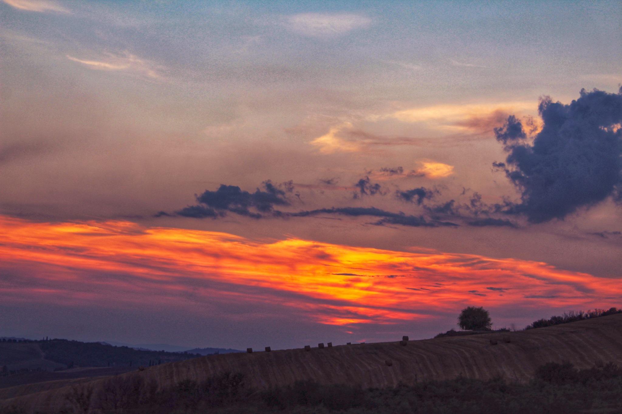 tramonti toscani by Gabriella Horvat