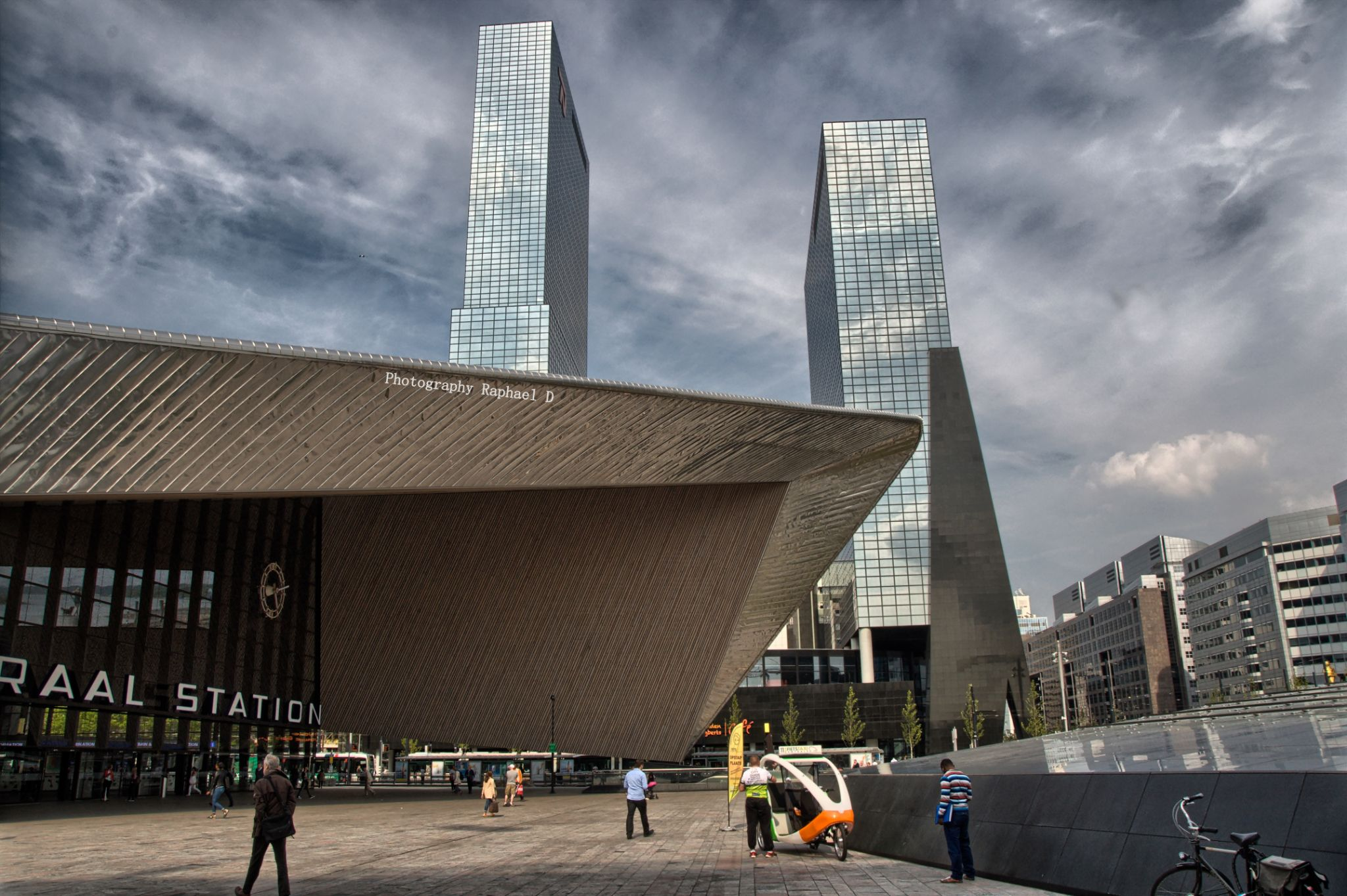 Rotterdam Centrall Station by Rafał GIERCZAK  ©