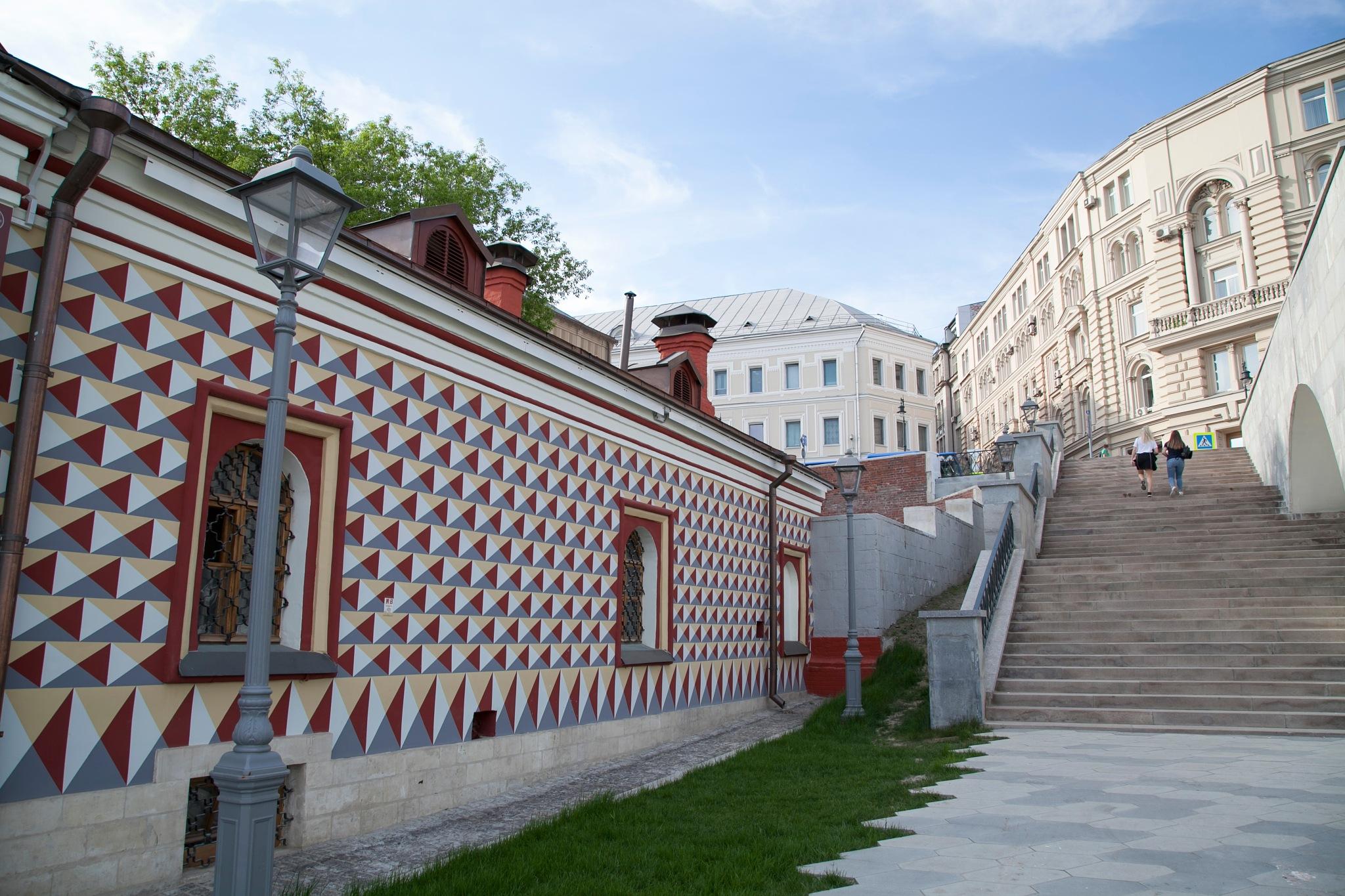 Romanov house in Moscow by Helga Kuiper