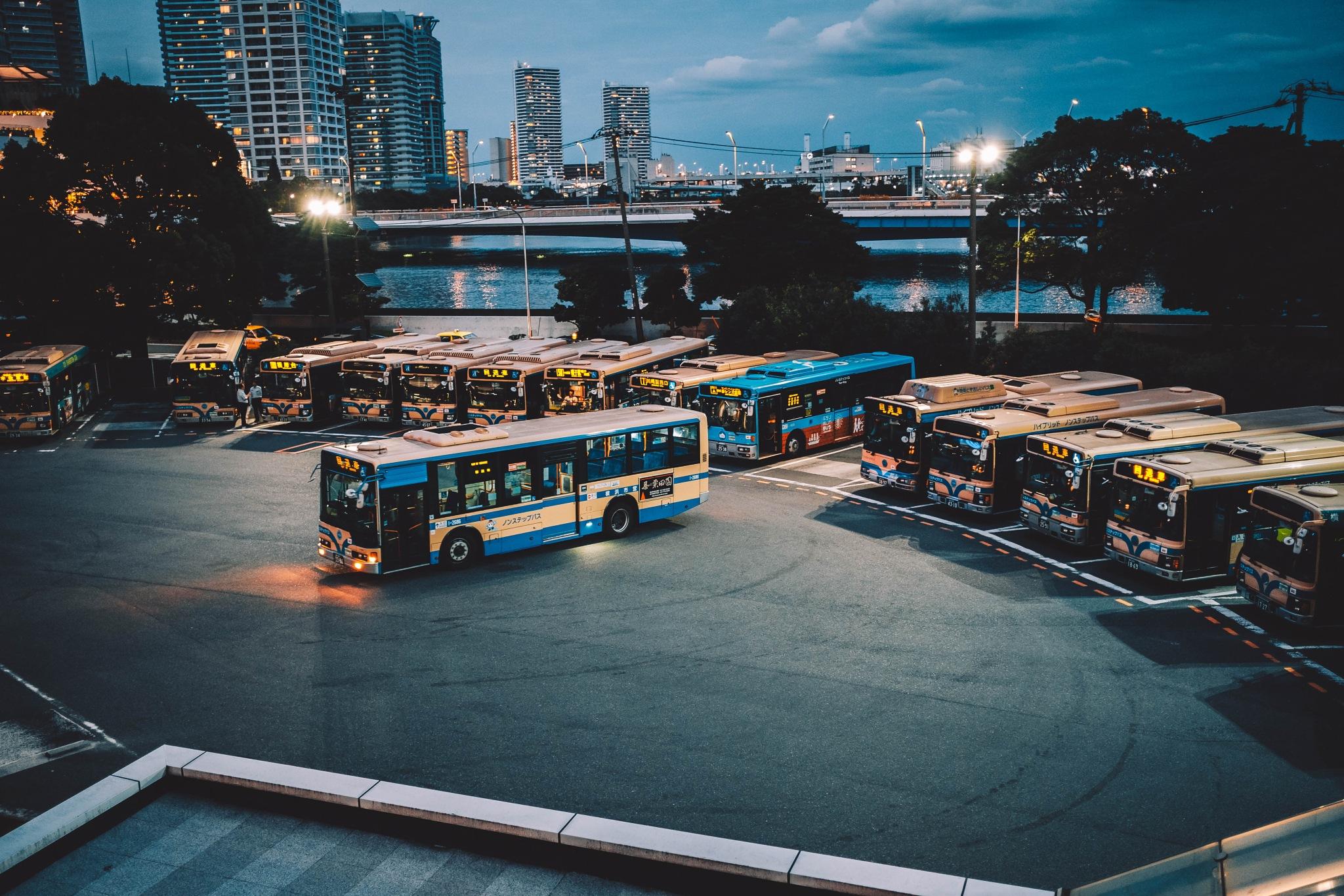 bus by kkumagai35
