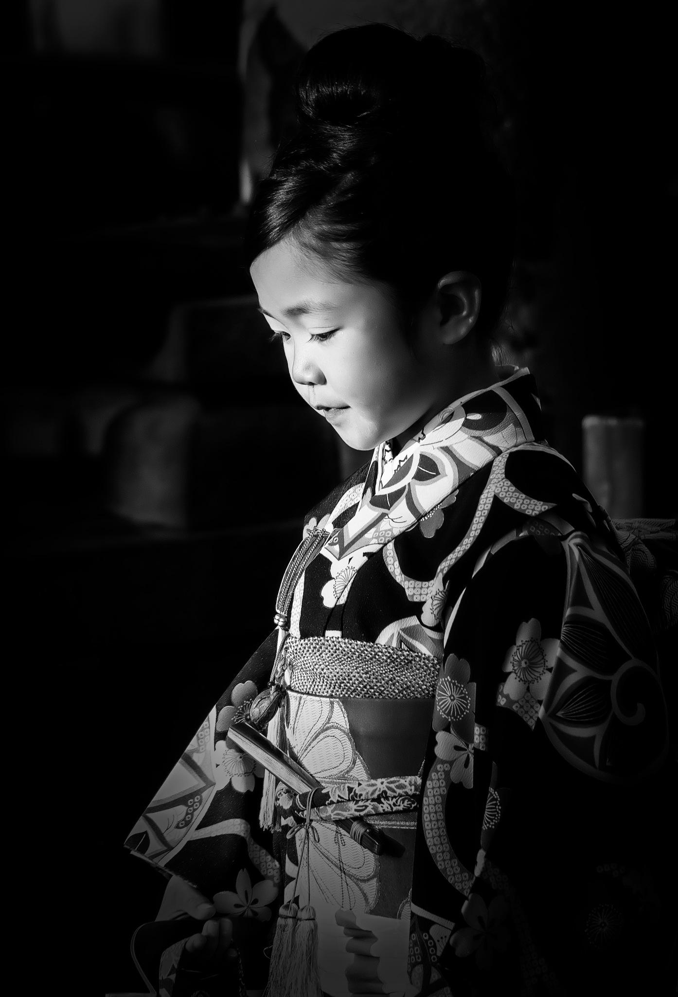Giappone bimba a Kamakura. by Claudio Fantone