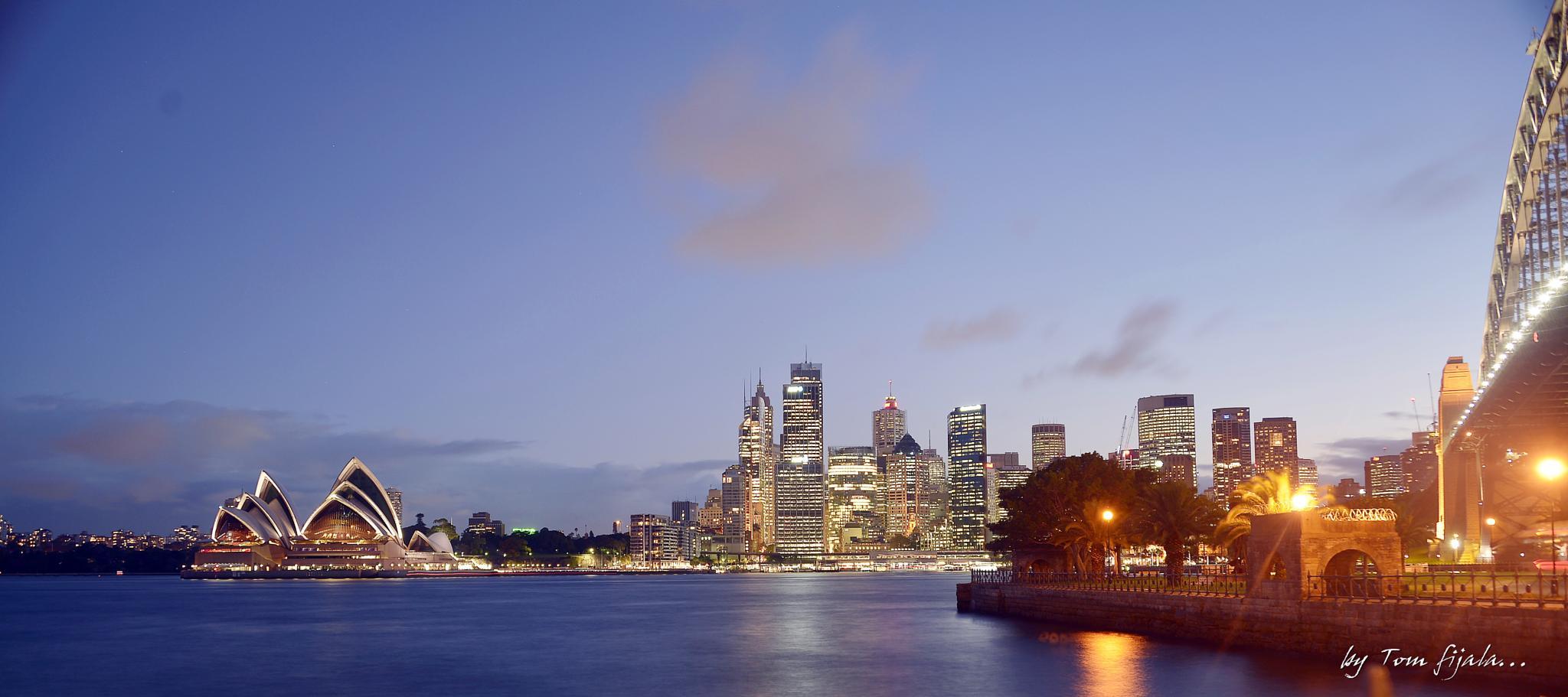 Sydney in night..... by Tom Fijala