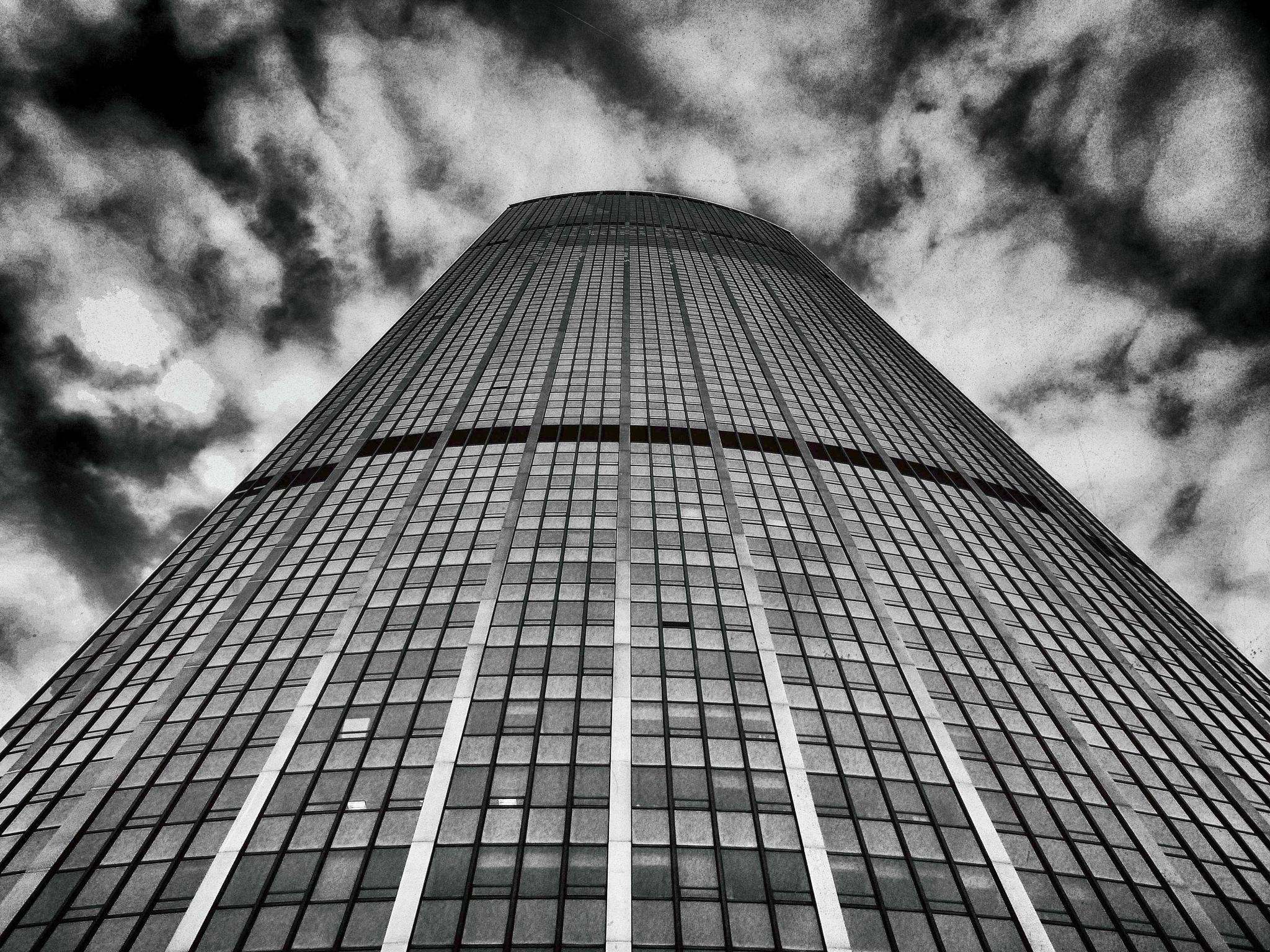 La tour. by franckhegoburu