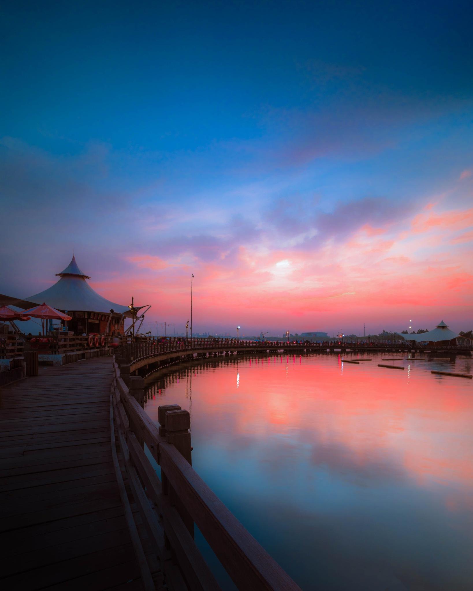 ancol beach by f. widayat
