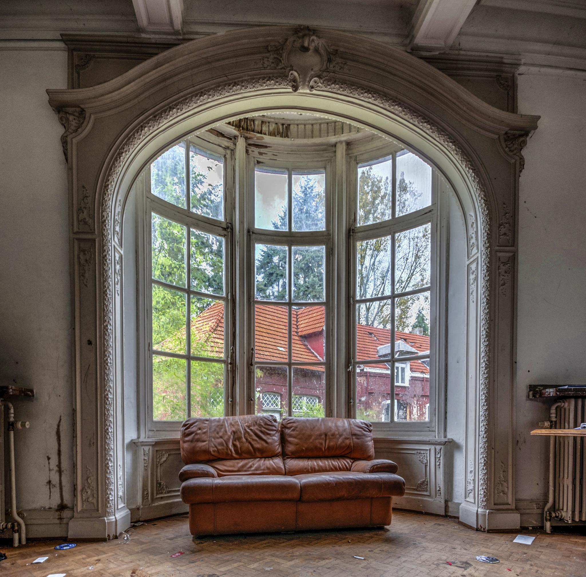 Photo in Urban #urban #urbex #chateau #zakspeed #comfort #chair #sofa #hdr #hdri