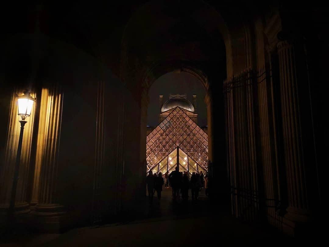 Paris by night... Le Louvre by Sebastien Donot