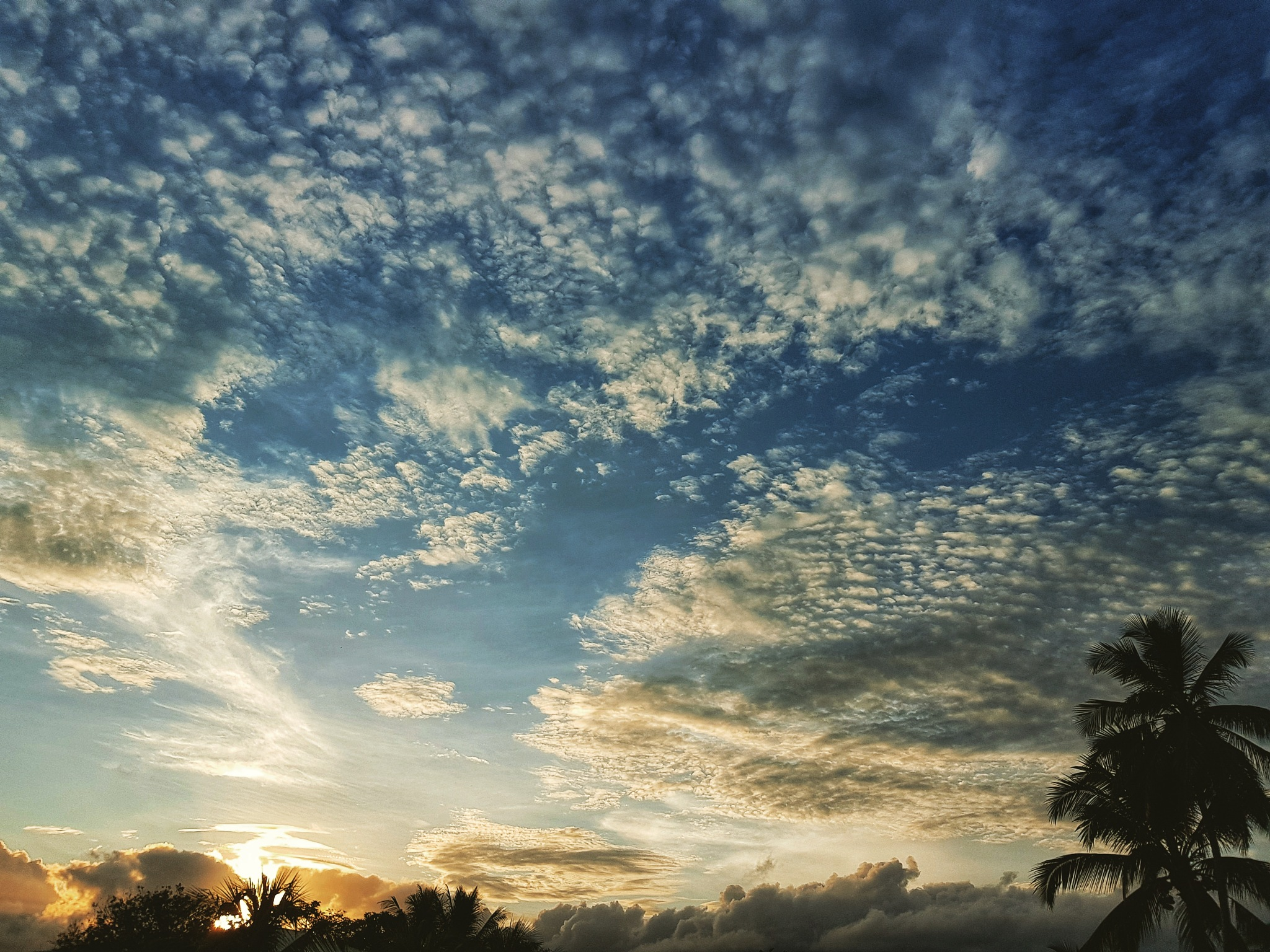 My sky..  by Coulize972