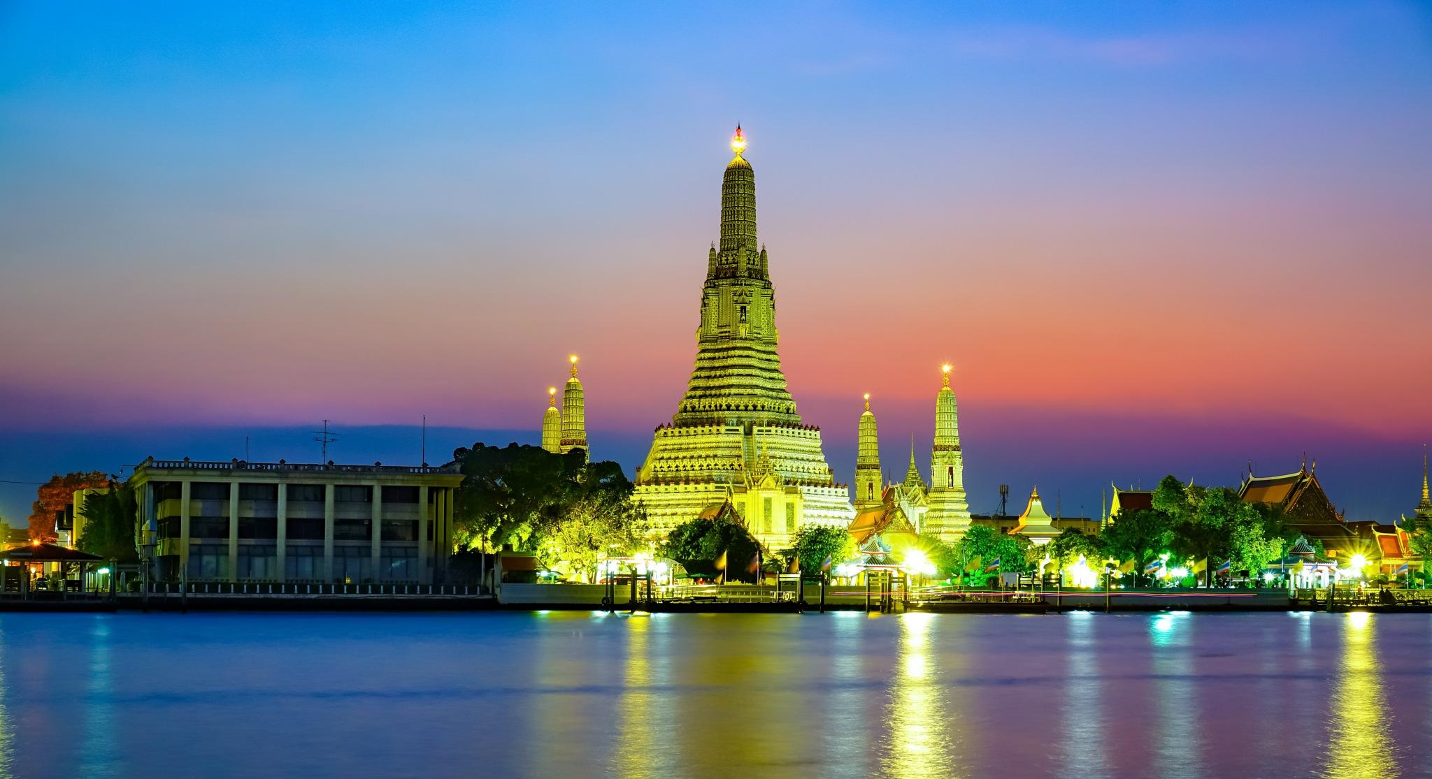 Wat Arun Ratchawararam by PT.Slowlife