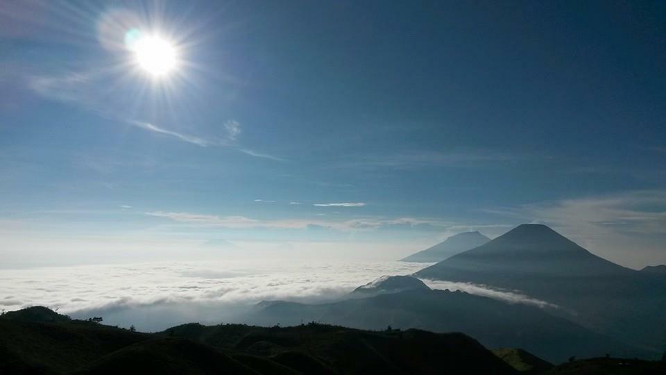 Gunung prau by Rowan Stroop