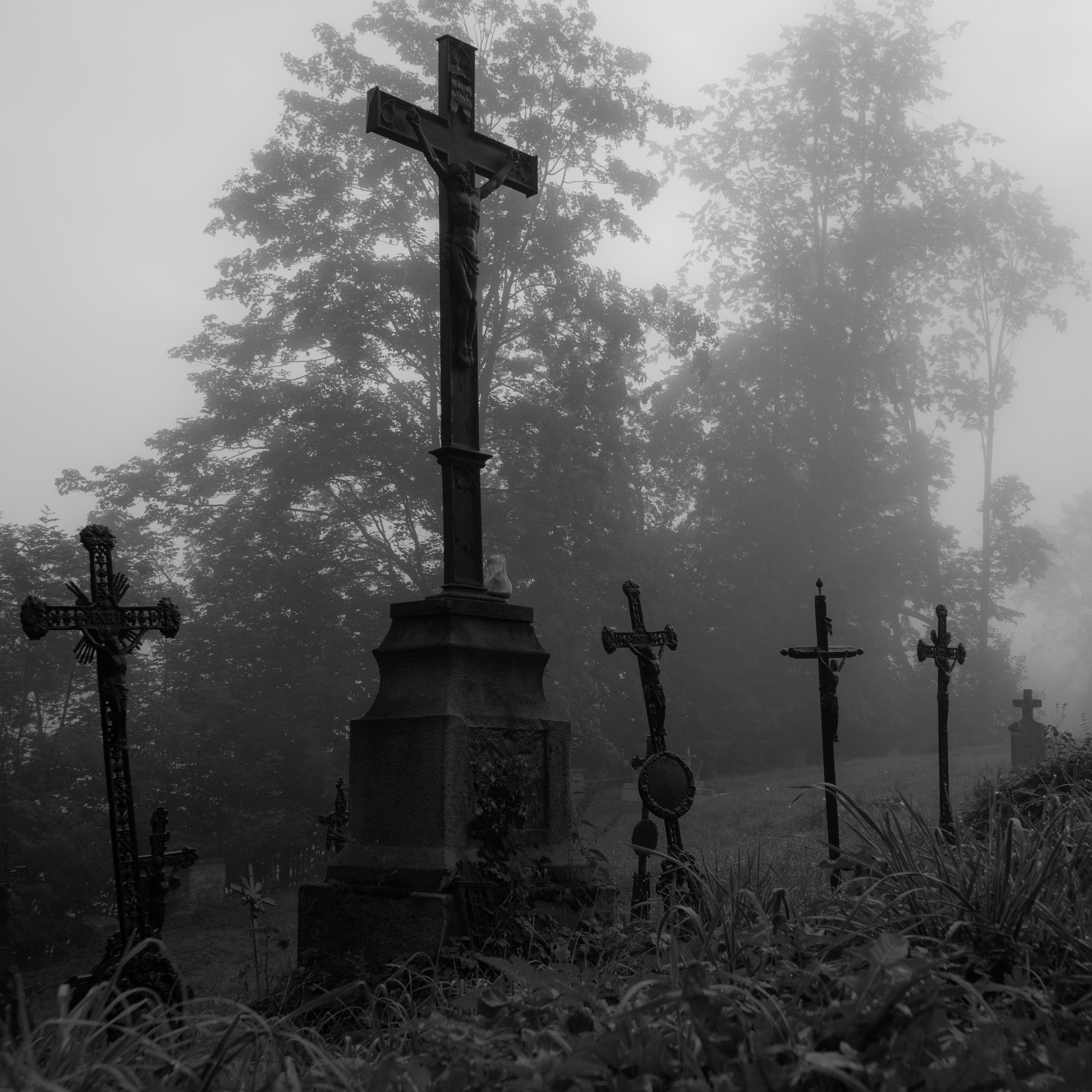 The Graveyard by 84lukasz
