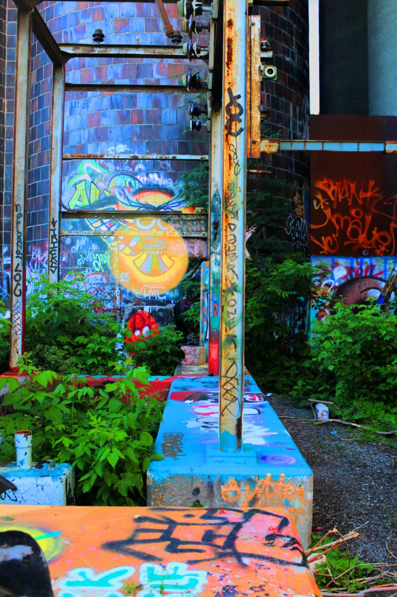 street art 2 by Yannick Champagne