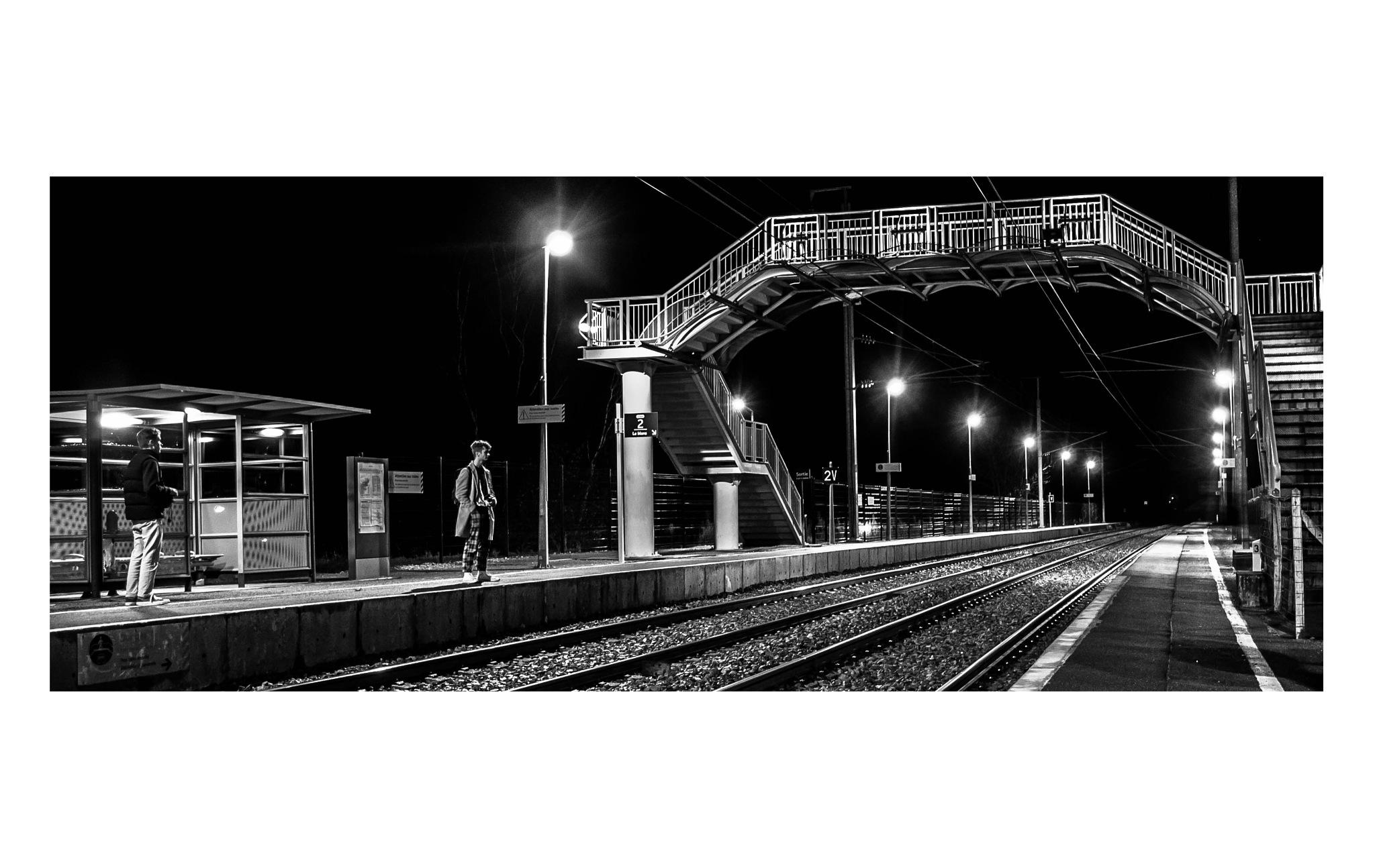 train station by night  by SimonALLIBABA
