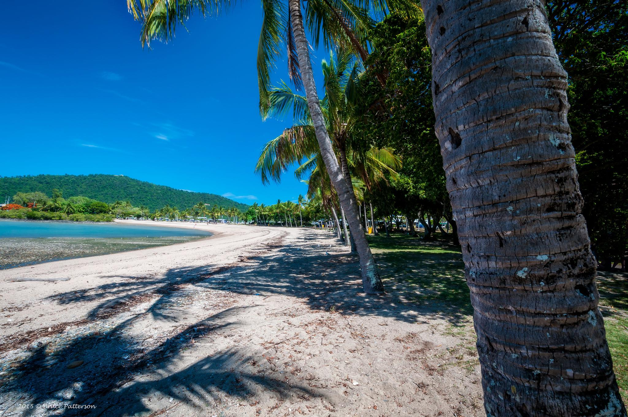 Airlie Beach by Bruce Patterson