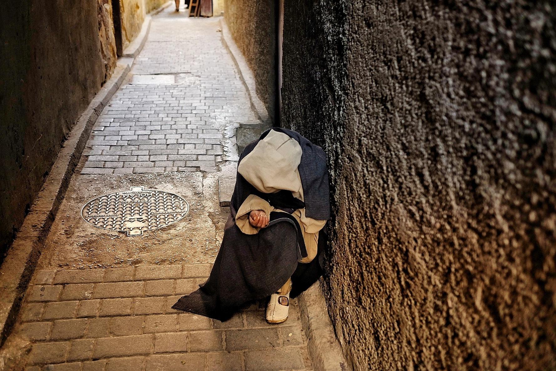 Beggar by PaolaPasquali