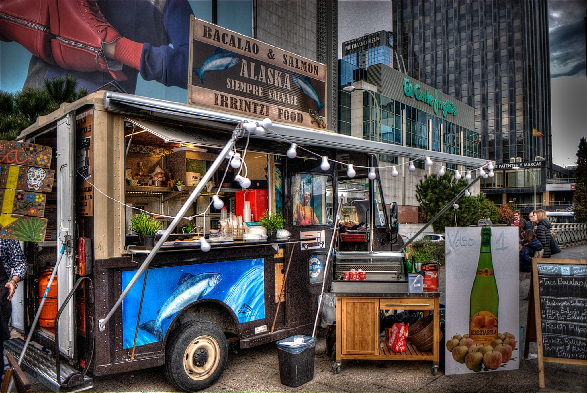 Expo Food Truck Madrid 2016 by Miguel Angel Posincovich