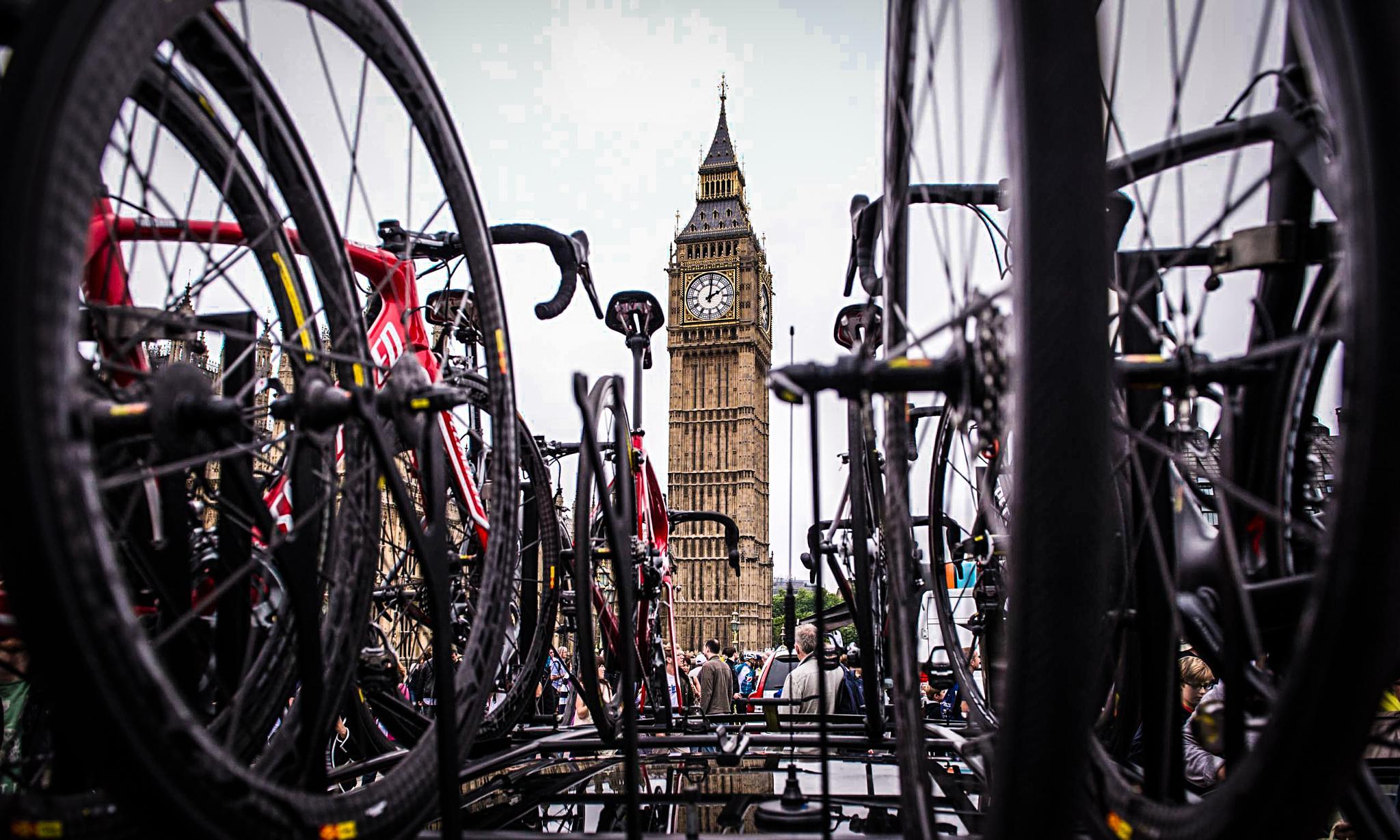 Tour de France 2014 London by Miguel Angel Posincovich