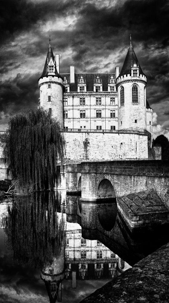 BW castle by klepherone