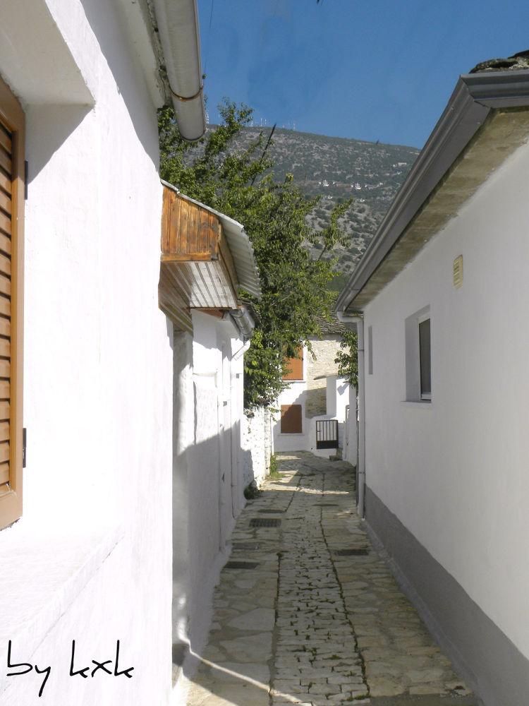 Nisos Ioannina by kxkosmas