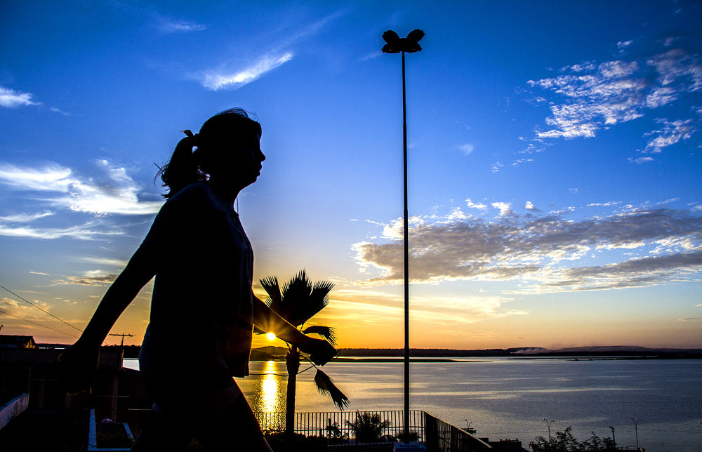 Caminhada ao pôr do sol by ediegobatista