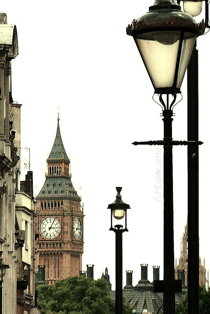 Photo in Vintage #london #city #clock #beautiful #photography #landscape #vintage #città #england #big ben #londra #inghilterra