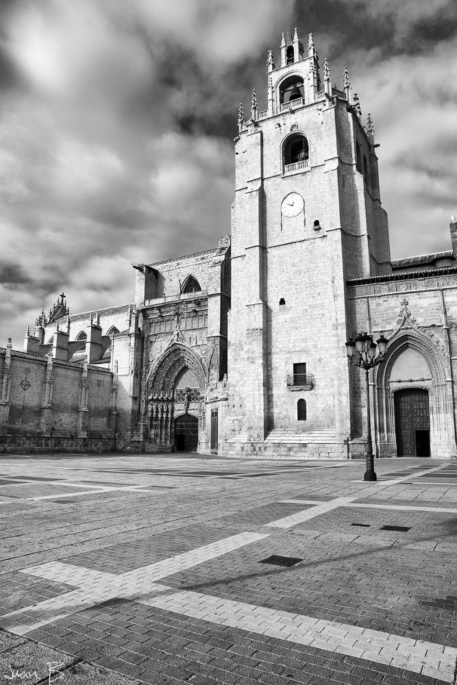 Catedral en Blanco y Negro by JuanBlancoPhotography