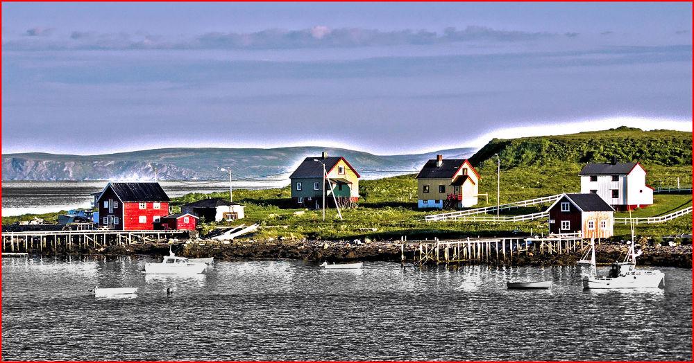Midnight Sun  (Honningsvåg, Norway) by EuroAmerican