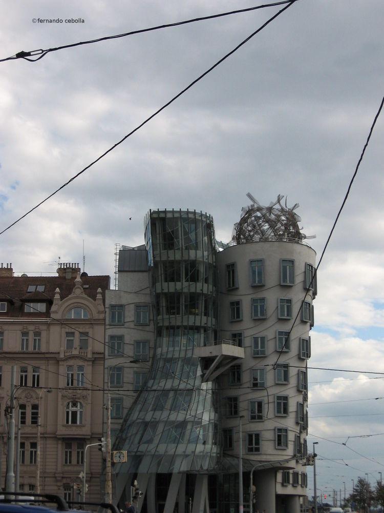 The Dancing House, Nové město, Praha. by Polidaschamineras