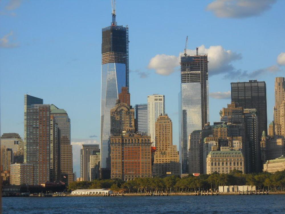 Lower Manhattan Skyline by mark12