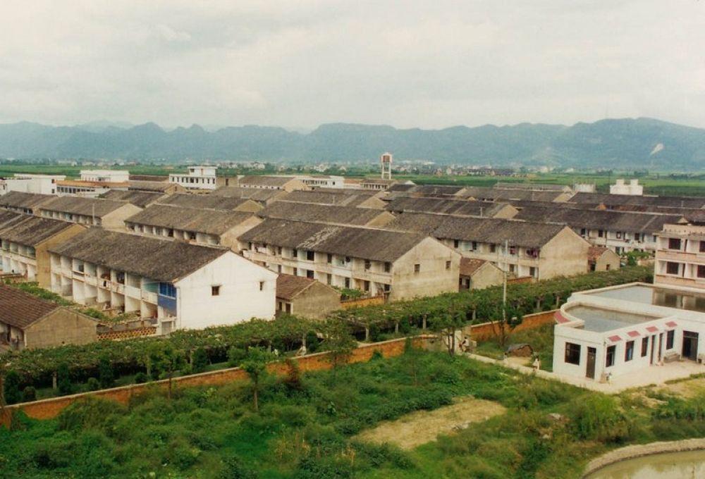 Zhejiang_Tengtou_Village_1995-104 by Arie Boevé