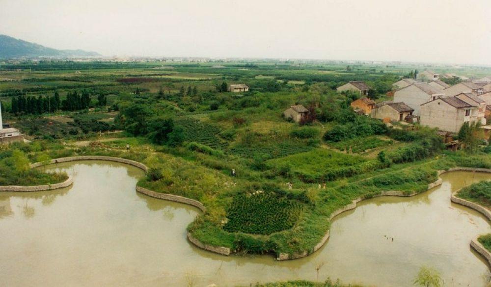 Zhejiang_Tengtou_Village_1995-111 by Arie Boevé