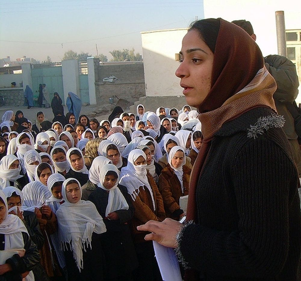 20080830061520!Malalai_Joya_visits_a_girls_school_in_Farah_province_in_Afghanistan by mussawi