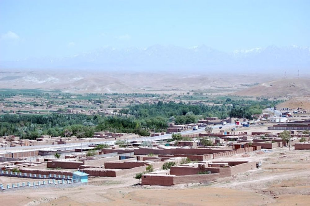puli-i_alam_logar_province_afghanistan_photo_wiki by mussawi