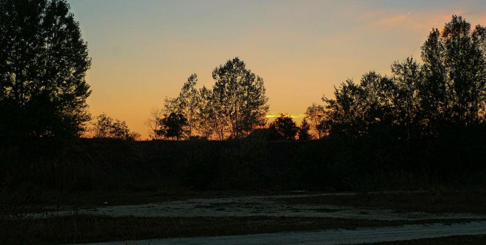 sunset contrast by Jozef Kujundzic