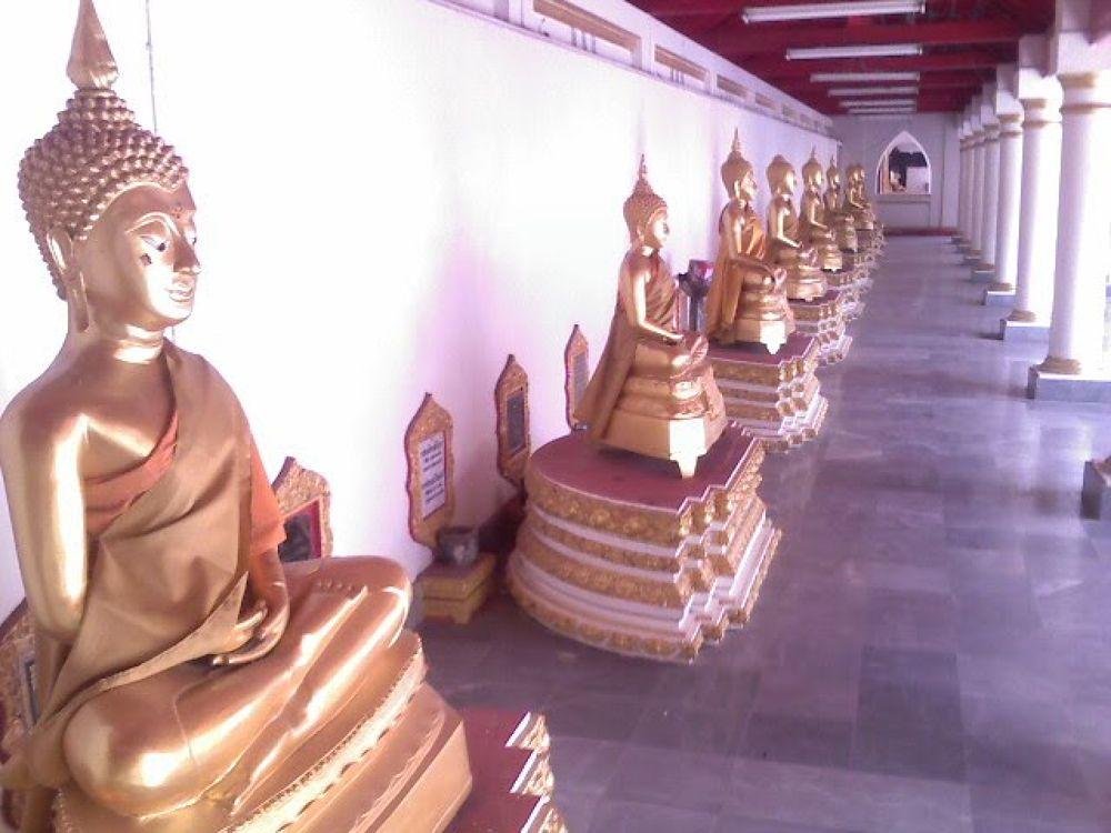 Nakhon Phanom Buddha's by johnclipsters