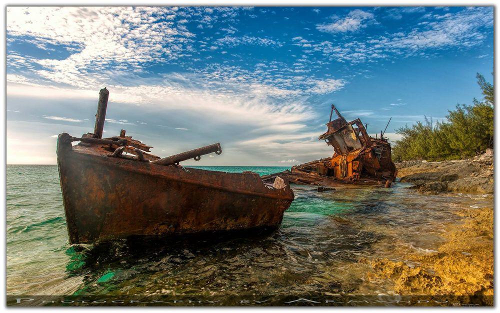 Bimini Shipwreck 2.jpg by ArCoPhotography