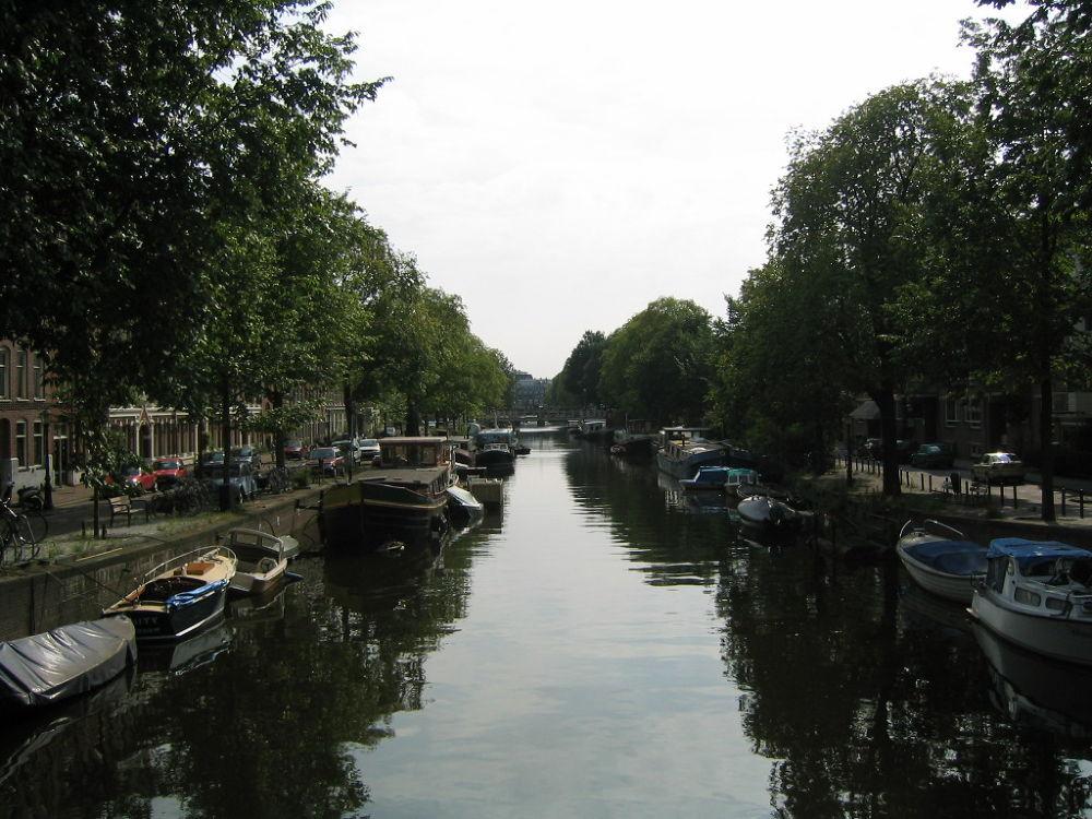 Stadsliedenbuurt , Amsterdam by Tanja Henn