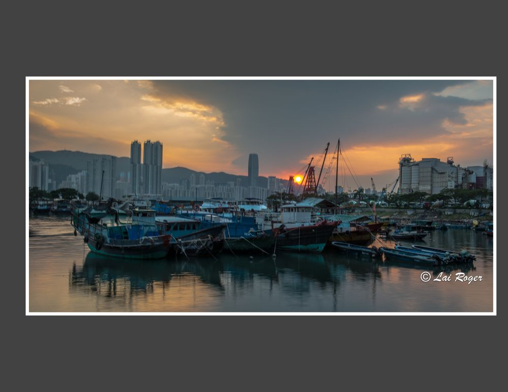 Sunset of fishing Village_605 by RogerLai