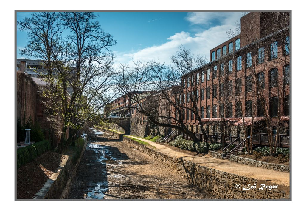 The Old Canal of Georgetown, DC by RogerLai